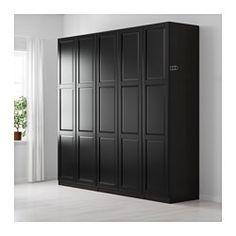 IKEA - PAX, Garderobeskab, standardhængsler, 250x60x236 cm, , 10 års garanti. Læs betingelserne i garantifolderen.Du kan nemt tilpasse denne færdiglavede PAX/KOMPLEMENT kombination med PAX indretningsværktøj efter dine behov og din smag.Hvis du vil ha' orden indvendigt, kan du supplere med indretning fra KOMPLEMENT serien.Indstillelige fødder gør det muligt at afhjælpe ujævnheder i gulvet.