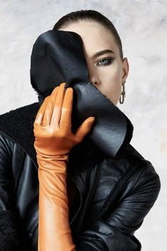 Elegant Gloves, Aw 2018, Long Gloves, Women's Gloves, Fetish Fashion, Fashion Show Collection, Strike A Pose, Peek A Boos, Classy And Fabulous