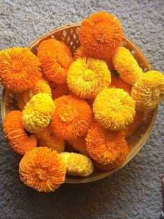How to make marigold flower with crepe paper - Art & Craft Ideas Crepe Paper Crafts, Crepe Paper Flowers, Diy Paper, Fabric Flowers, Paper Art, Paper Peonies, Tissue Paper, Diwali Decorations, Festival Decorations