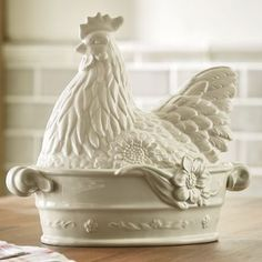 Rooster Dish by Fitz & Floyd – farmhouse decor flowers Modern French Country, French Country Decorating, Rooster Decor, Chickens And Roosters, White Dishes, Home Living, White Decor, Dinnerware, Farmhouse Decor