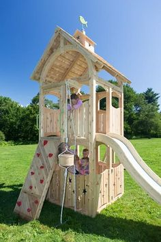 Serendipity 542 cedar playset is splinter-free, chemical-free, and maintenance-f. - Monica Hall - Re-Wilding Playset Diy, Backyard Playset, Backyard Playhouse, Backyard Playground Sets, Playhouses For Sale, Wood Swing Sets, Jungle Gym, Kids Play Area, Outdoor Projects