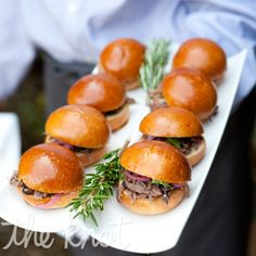gourtmet sliders (for either cocktail hour or late night snack) - Happy wedding Party Mini Hamburgers, Engagement Party Themes, Engagement Ideas, Truffle Mac And Cheese, Pulled Pork Sliders, Pulled Beef, Beef Sliders, Wedding Appetizers, Fall Appetizers
