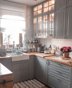 Galley Kitchen Design, Kitchen Room Design, Small Space Kitchen, Open Plan Kitchen, Interior Design Kitchen, Kitchen Decor, Earthy Kitchen, Piece A Vivre, Küchen Design