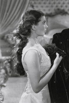 "ihideinmymusic: "" meinthefifties: "" Vivien Leigh in Gone With the Wind, 1939. "" GORGEOUS hair """