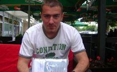 """Син погинулог борца послао отворено писмо: Је ли ово """"Република"""" за коју се борио мој отац!? - http://www.vaseljenska.com/vesti-dana/sin-poginulog-borca-poslao-otvoreno-pismo-je-li-ovo-republika-za-koju-se-borio-moj-otac/"""