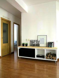 La casa del año. Cambiando la estantería del salón | Decorar tu casa es facilisimo.com