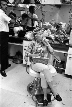 hair beauty - Exhibition 'Detroit 1968 Photographs by Enrico Natali' at Joseph Bellows Gallery, La Jolla, CA Part 2 La Jolla, Vintage Hair Salons, Detroit Art, Detroit Michigan, Retro Hairstyles, Wedding Hairstyles, Thats The Way, Vintage Beauty, Vintage Makeup