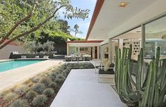 Remarkable 1959 Mid Century back yard Jacuzzi, Hollywood Hills Häuser, Mid Century Landscaping, Cozy Patio, Sims, Art Deco Home, Modern Backyard, Outdoor Living, Outdoor Decor