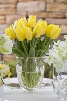 My Life in the Countryside Love Flowers, My Flower, Flower Vases, Spring Flowers, Flower Power, Beautiful Flowers, Tulips Flowers, Tulpen Arrangements, Floral Arrangements