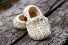 Baby Shoe Crochet Pattern Easy  On Loafers  - knit look crochet  Crochet Pattern 104. $5.50, via Etsy.