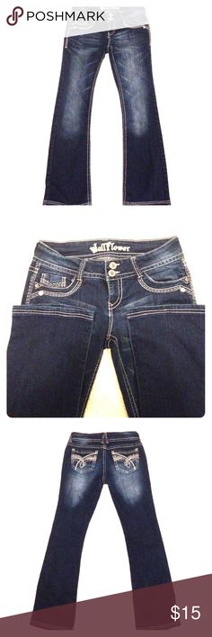 Wallflower size 7 jeans 👖 These super cute Wallflower jeans are a size 7. They are in excellent condition with hardly any wear at the bottom hems. Has a double button with a zipper. Wallflower Jeans