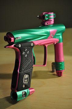 Dee Zee paintball gun. omg!!! i just fell in love.