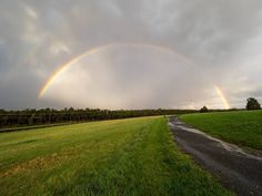 """I call this one """"pandering"""".  I couldn't head into the weekend without sharing one more rainbow shot from yesterday. Have a great one I'll be in Tortola BVI maybe getting rained out... #virginia #virginiaisforlovers #doublerainbow #rainbow #landscape"""