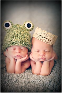 the princess and the frog / twin newborn