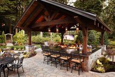 Beautiful outdoor kitchen #backyard