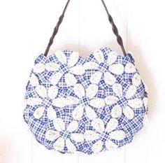 Bolso con  hexagonales - flor