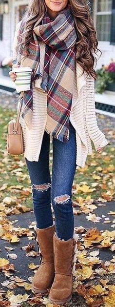 fall outfit ideas / plaid scarf knit cardigan