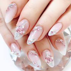 Love this manicure I would try it with a blue Nail Art Rhinestones, Rhinestone Nails, Glitter Nail Art, Bling Nails, Cute Nails, Pretty Nails, Kawaii Nail Art, Diamond Nail Art, Korean Nail Art