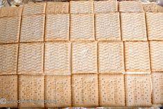 PRAJITURA CU ZMEURA, VANILIE SI MASCARPONE | Diva in bucatarie Bread, Cakes, Desserts, Mascarpone, Scan Bran Cake, Kuchen, Breads, Pastries, Bakeries