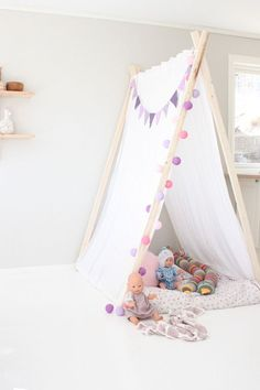 In the mood for tipi Ideas Habitaciones, Deco Kids, Pastel Room, Kids Tents, Little Girl Rooms, Kid Spaces, Kids Decor, Play Houses, Kids Furniture