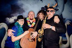 Zespół muzyczny Haliśka Band - na wesele i nie tylko - szalona budka na weselu to niezły pomysł, ciekawe zdjęcia czasem wychodzą ;) Bandy