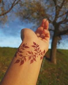 Henna Tattoo Designs Simple, Latest Henna Designs, Floral Henna Designs, Finger Henna Designs, Mehndi Designs Book, Mehndi Designs For Beginners, Mehndi Designs For Girls, Mehndi Design Photos, Unique Mehndi Designs