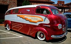It's a custom 36 roadliner