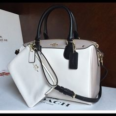 Coach authentic bag & wrislet NEW WITH TAG 9.5 X 7 X 4.5   Gray and white coach bag & wrislet Coach Bags Clutches & Wristlets