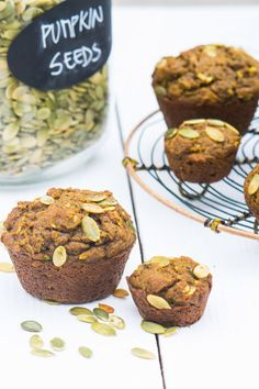 Breakfast Low Sugar Pumpkin Muffins. This recipe is out from the ordinary. Packed with healthy ingredientes for a moist and delicious bread. Another recipe with super foods for Clean eating.