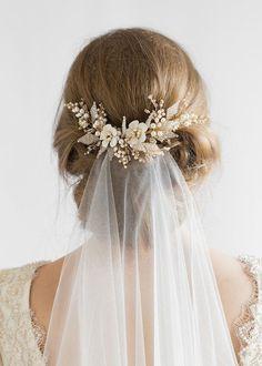 Wedding veil above the bun - JASMINE wedding hair comb 1