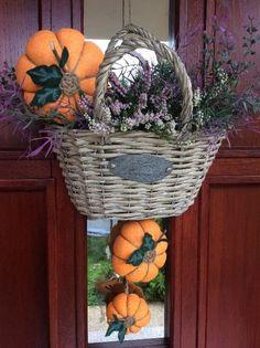 Naše podzimní dekorace na dveřích...