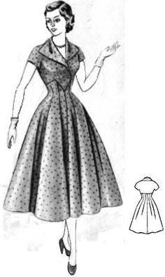 Двубортное платье с застежкой на талии