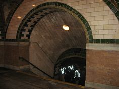 Closed Subway Stations New York | New York Subway's Beautiful Abandoned City Hall Station
