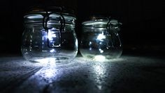 Build the solar lamp in the mason jar yourself Childrens Lamps, Solar Licht, Bedroom Lamps, Mason Jar Lamp, Chandelier Lighting, Table Lamp, Crystals, Building, Solar Video