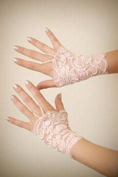 Sweet Peach Romantic Lace Gloves by FarawayFinery on Etsy Hand Gloves, Hand Socks, Victorian Corset, Wedding Gloves, Look Vintage, Vintage Lace, Lace Corset, Lace Cuffs, Sweet Peach