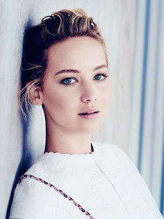 Jennifer Lawrence Hot New Actress               Kiss Kiss Wayne.