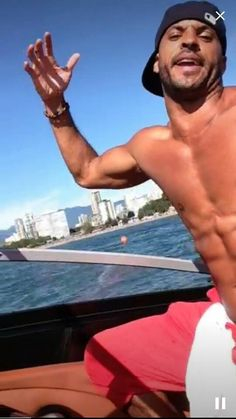 Ricky Whittle, American Gods, The 100, Beautiful Men, Hot Guys, Ff, How To Memorize Things, Handsome, Muscle