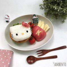 Hello Kitty rice burger by Tian Min (@5ambento)
