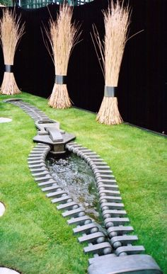 Zipper water feature from Chelsea Flower Show 1999.
