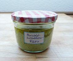 Schöner Tag noch!: Selbstgemacht: Zucchini-Kürbiskern-Pesto