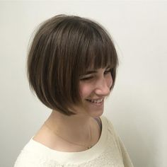 Versatile & beautiful, wispy bangs look great on just about anyone! Check out these pictures, our How To advice & tips to get your own wispy bangs. Short Spiky Hairstyles, Side Bangs Hairstyles, Bob Haircut With Bangs, Straight Hairstyles, Cool Hairstyles, Pixie Haircuts, Short Bob Round Face, Bangs For Round Face, Short Hair Long Bangs