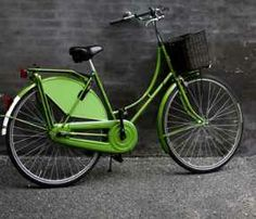 Green one with fender skirt