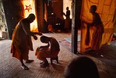 #photographer : Steve McCurry - Angkor Wat, Cambodia