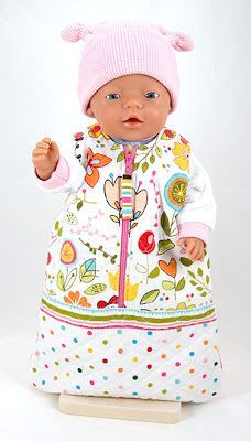 This free doll snuggy sack pattern is suitable for Zapf BABY Born®* dolls. - also links to other doll's clothes patterns. Sewing Doll Clothes, Sewing Dolls, Girl Doll Clothes, Girl Dolls, Baby Dolls, Diy Clothes, Baby Born Clothes, Bitty Baby Clothes, Doll Sewing Patterns