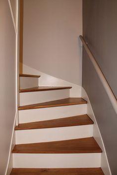 awesome Tendance Vernis : Rénovation escalier bois, décapage marches pour les ramener en bois brut, vern...
