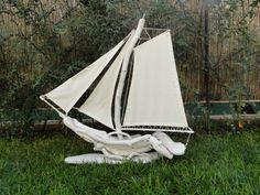 Άσπρα καράβια απο θαλασσόξυλα