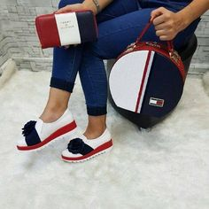 Nadire Atas on Matching Shoes and Bags moda Cute Shoes, Me Too Shoes, Sneakers Fashion, Fashion Shoes, Fashion Bags, Womens Fashion, Shoe Boots, Shoe Bag, Gucci Shoes