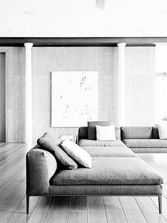Deep sofa in media room Home Living Room, Living Room Decor, Living Spaces, Sofa Design, Modern Interior Design, Interior Architecture, Coastal Interior, Coastal Decor, Sofa Furniture