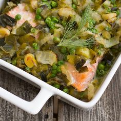 The gentle flavours in this dish will not overpower the fish. It is the ultimate meal-in-one healthy choice for a family. Healthy Weeknight Meals, Healthy Family Meals, Healthy Snacks, Healthy Eating, Pea Recipes, Dinner Recipes, Cooking Recipes, Mediterranean Recipes, Fish And Seafood