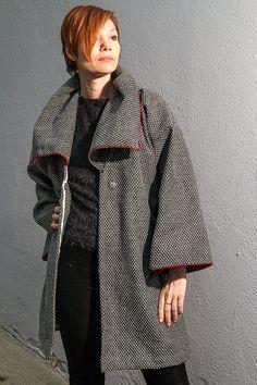 Moderner Mantel in schwarz weiß Oversized Mantel von RoteTulpe
